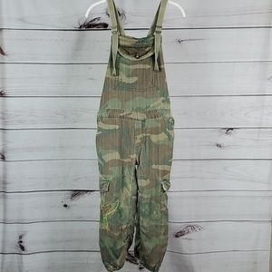 Da-Nang• xs overalls camo embroidered bird